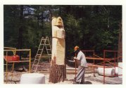 chainsaw carving giant bears